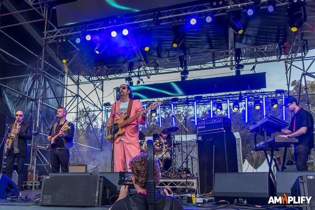 Donny Benet Show Band